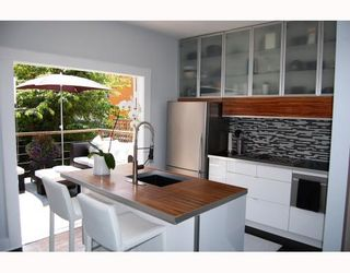 Photo 2: 2227 ALBERTA Street in Vancouver: Mount Pleasant VW House for sale (Vancouver West)  : MLS®# V771743