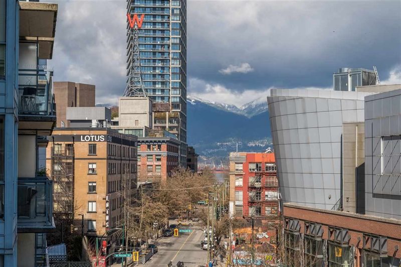 FEATURED LISTING: 511 - 555 ABBOTT Street Vancouver
