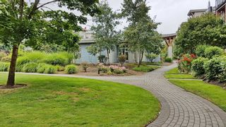 "Photo 20: 301 15385 101A Avenue in Surrey: Guildford Condo for sale in ""CHARLTON PARK"" (North Surrey)  : MLS®# R2189827"