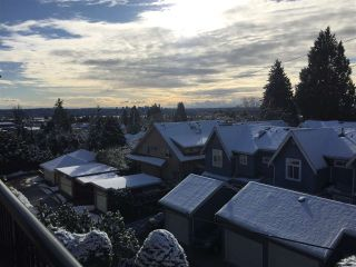 """Photo 10: 305 2545 LONSDALE Avenue in North Vancouver: Upper Lonsdale Condo for sale in """"The Lexington"""" : MLS®# R2241136"""