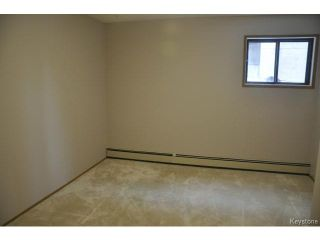 Photo 12: 683 St Anne's Road in WINNIPEG: St Vital Condominium for sale (South East Winnipeg)  : MLS®# 1501474