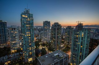"""Photo 6: 3302 1238 MELVILLE Street in Vancouver: Coal Harbour Condo for sale in """"POINTE CLAIRE"""" (Vancouver West)  : MLS®# R2615681"""