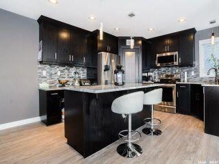 Photo 3: 914 Werschner Crescent in Saskatoon: Rosewood Residential for sale : MLS®# SK726872