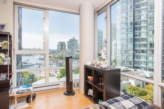 """Photo 6: 908 1033 MARINASIDE Crescent in Vancouver: Yaletown Condo for sale in """"QUAYWEST"""" (Vancouver West)  : MLS®# R2615852"""