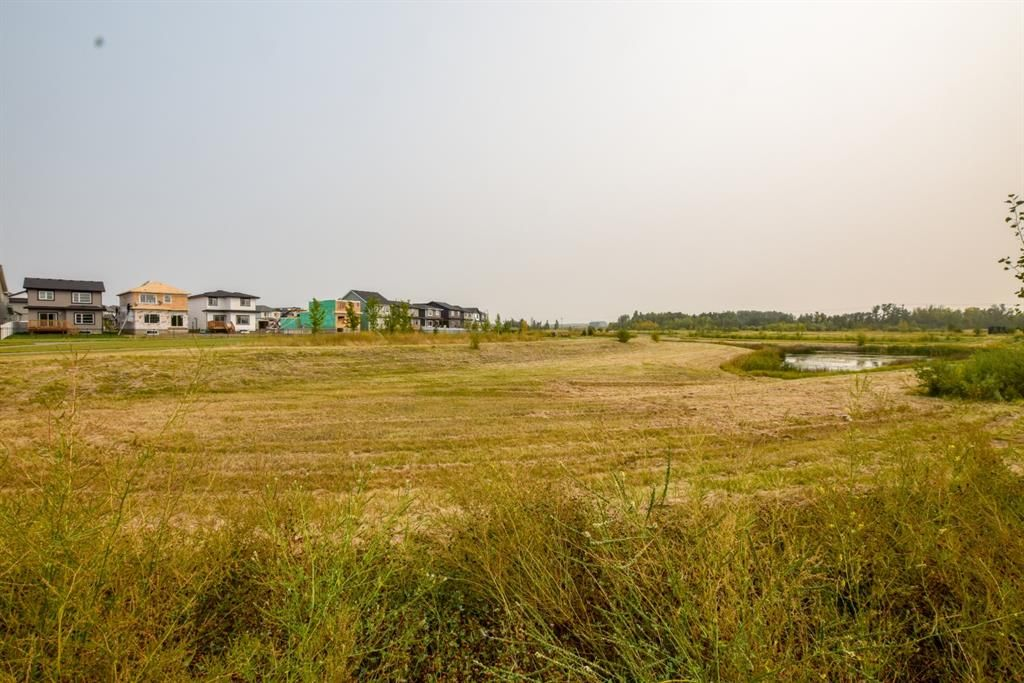 Photo 6: Photos: 30 Memorial Parkway in Rural Red Deer County: Liberty Landing Residential for sale : MLS®# A1060282