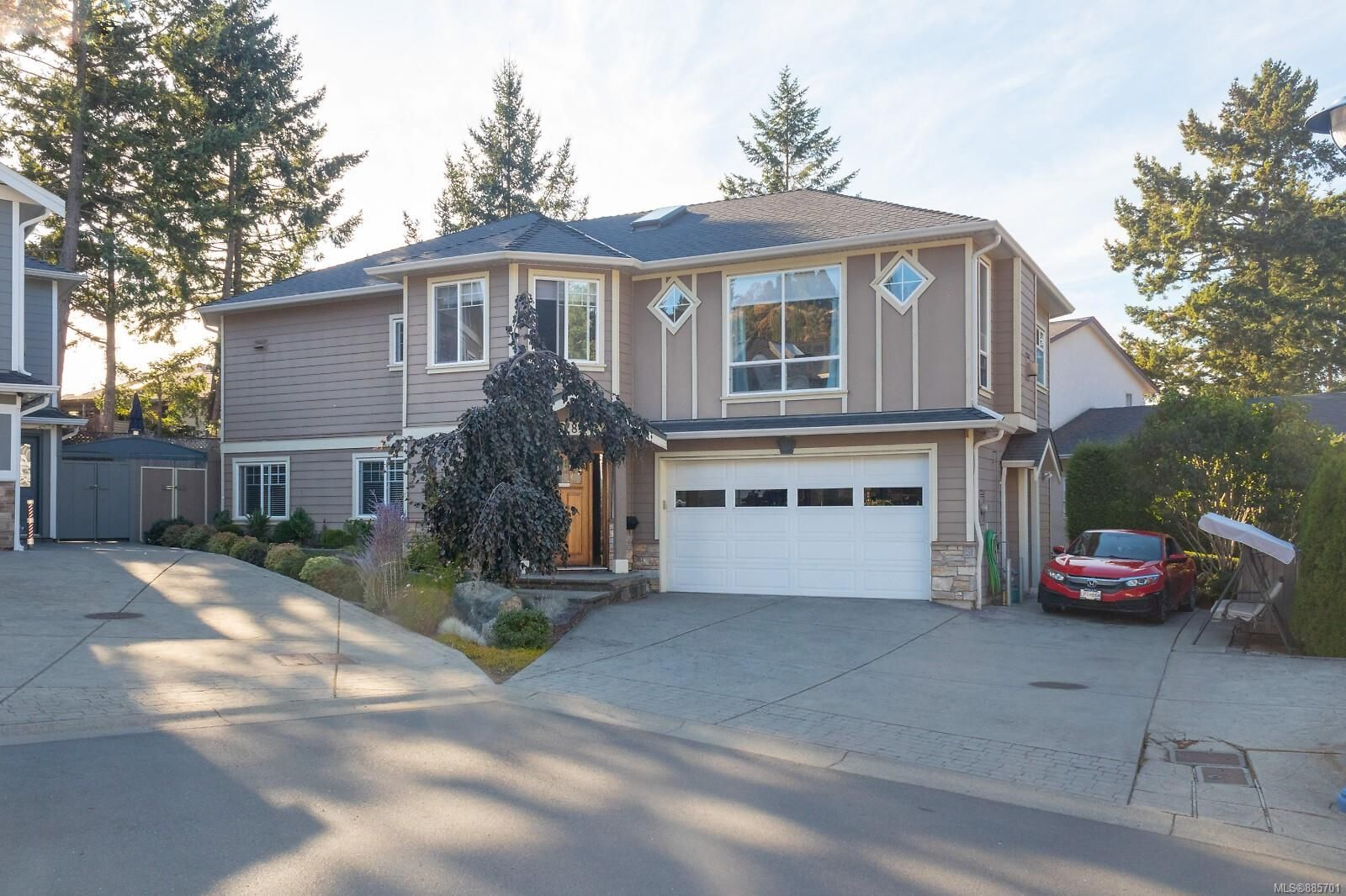 Main Photo: 2289 Nicki Pl in : La Thetis Heights House for sale (Langford)  : MLS®# 885701