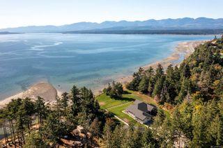 Photo 2: 955 Balmoral Rd in : CV Comox Peninsula House for sale (Comox Valley)  : MLS®# 885746