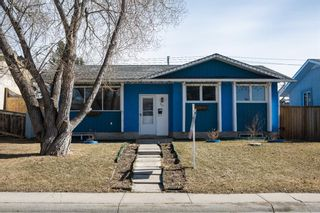 Photo 1: 371 Penswood Way SE in Calgary: Penbrooke Meadows Detached for sale : MLS®# A1087362