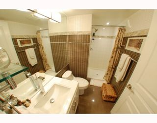 """Photo 8: 1102 1189 HOWE Street in Vancouver: Downtown VW Condo for sale in """"THE GENESIS"""" (Vancouver West)  : MLS®# V779458"""