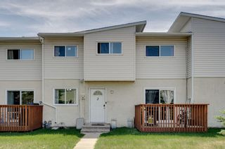 Photo 3: 2 4515 7 Avenue SE in Calgary: Forest Heights Row/Townhouse for sale : MLS®# A1121436