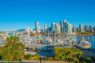 """Photo 1: 1006 IRONWORK PASSAGE in Vancouver: False Creek Townhouse for sale in """"Marine Mews"""" (Vancouver West)  : MLS®# R2420267"""