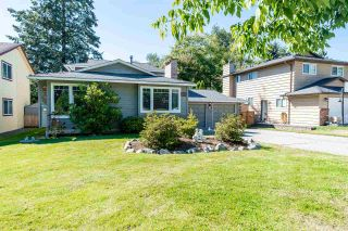 Photo 2: 6309 180A Street in Surrey: Cloverdale BC House for sale (Cloverdale)  : MLS®# R2499272