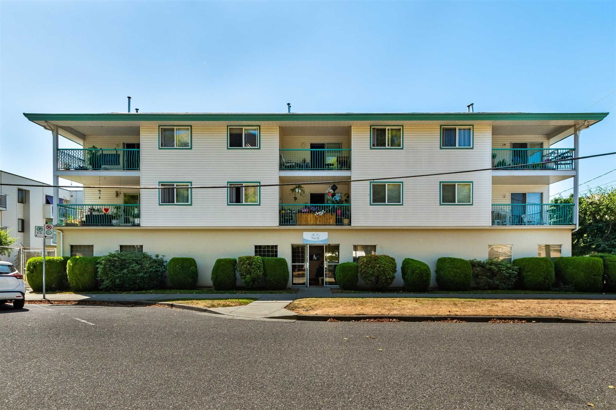 """Main Photo: 204 9006 EDWARD Street in Chilliwack: Chilliwack W Young-Well Condo for sale in """"EDWARD PLACE"""" : MLS®# R2603115"""