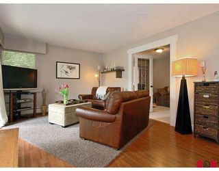 """Photo 4: 107 1544 FIR Street in White_Rock: White Rock Condo for sale in """"Juniper Arms"""" (South Surrey White Rock)  : MLS®# F2905092"""