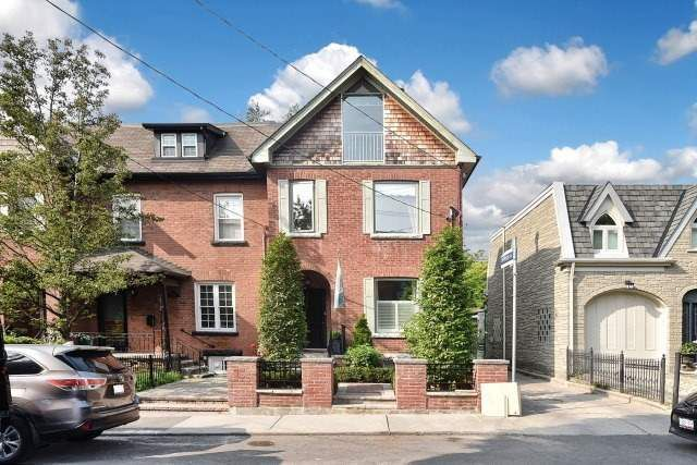 Main Photo: 444 Sackville St, Toronto, Ontario M4X1T2 in Toronto: Semi-Detached for sale (Cabbagetown-South St. James Town)  : MLS®# C3932714