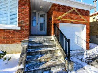 Photo 2: 42 Montvale Dr in Toronto: Cliffcrest Freehold for sale (Toronto E08)  : MLS®# E4017426