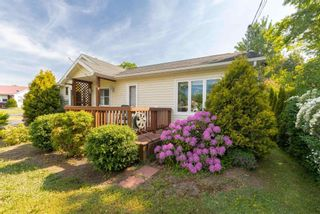 Photo 3: 57 Minas Crescent in New Minas: 404-Kings County Residential for sale (Annapolis Valley)  : MLS®# 202118526