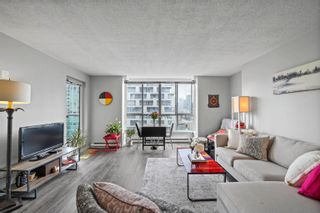 """Photo 1: 1810 1500 HOWE Street in Vancouver: Yaletown Condo for sale in """"The Discovery"""" (Vancouver West)  : MLS®# R2619778"""