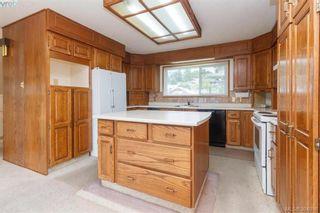 Photo 10: 8591 Lochside Dr in NORTH SAANICH: NS Bazan Bay House for sale (North Saanich)  : MLS®# 790088