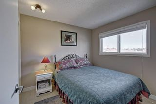 Photo 9: 63 WOODBOROUGH Crescent SW in Calgary: Woodbine Detached for sale : MLS®# C4275508