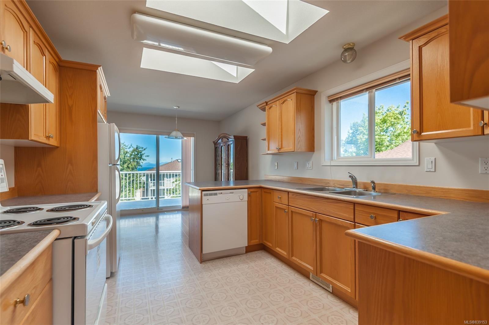 Photo 8: Photos: 6412 Dover Rd in NANAIMO: Na North Nanaimo House for sale (Nanaimo)  : MLS®# 839153