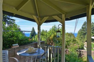 """Photo 2: 5160 RADCLIFFE Road in Sechelt: Sechelt District House for sale in """"SELMA PARK"""" (Sunshine Coast)  : MLS®# R2100427"""