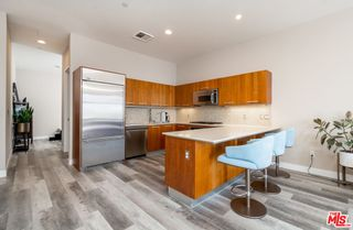 Photo 3: 801 S Grand Avenue Unit 1909 in Los Angeles: Residential for sale (C42 - Downtown L.A.)  : MLS®# 21793682