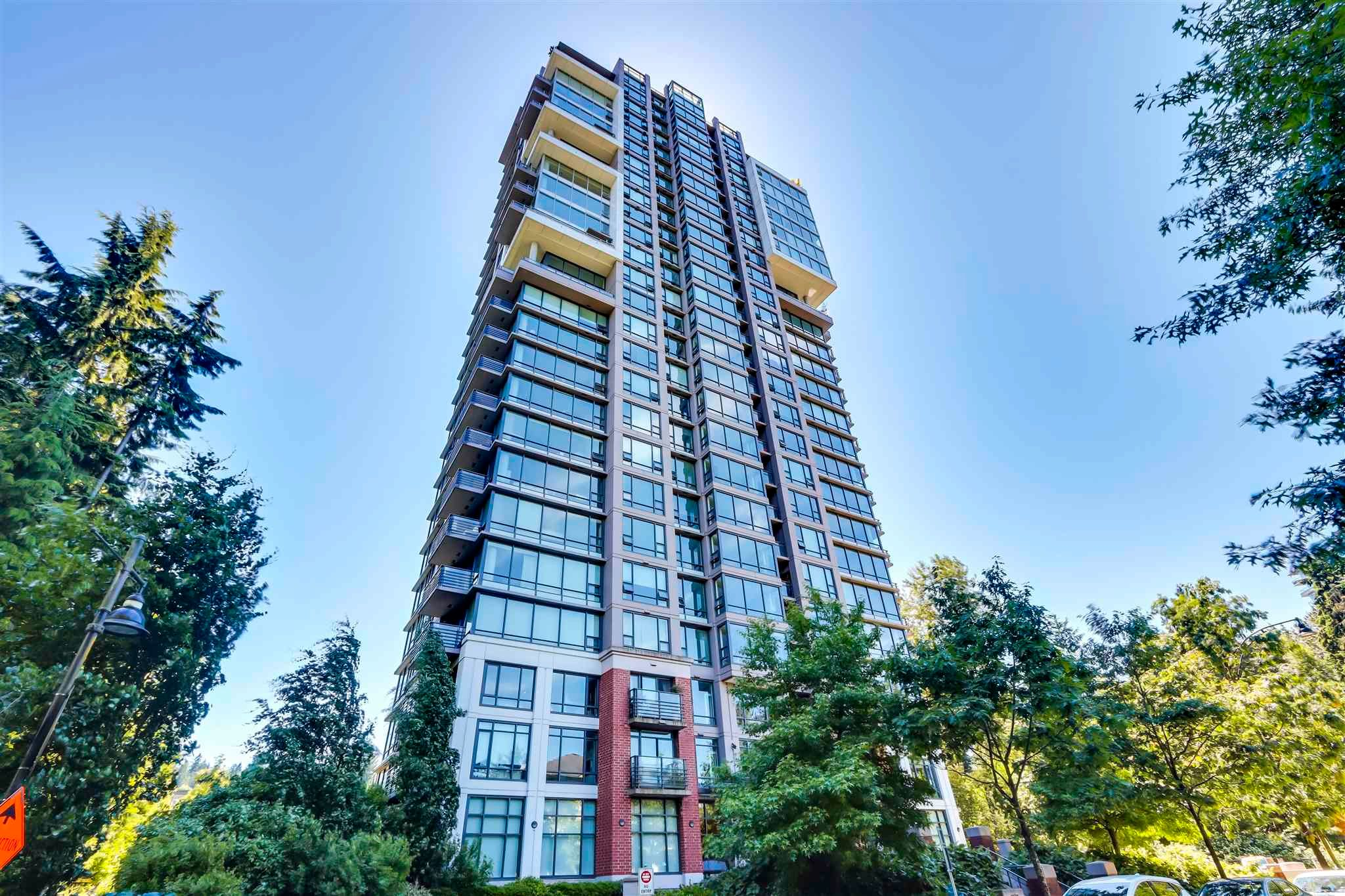 """Main Photo: 2203 301 CAPILANO Road in Port Moody: Port Moody Centre Condo for sale in """"THE RESIDENCES"""" : MLS®# R2612329"""