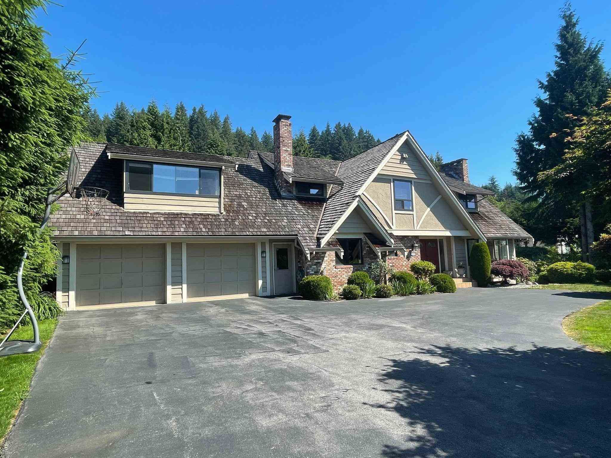 Main Photo: 1127 CRESTLINE Road in West Vancouver: British Properties House for sale : MLS®# R2597545