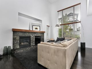 Photo 11: 45 Crestbrook Hill SW in Calgary: Crestmont Detached for sale : MLS®# A1141803