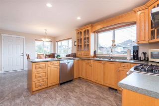 """Photo 13: 7978 WEATHERHEAD Court in Mission: Mission BC House for sale in """"COLLEGE HEIGHTS"""" : MLS®# R2579049"""