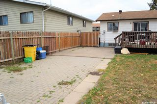 Photo 37: 122 Clancy Drive in Saskatoon: Fairhaven Residential for sale : MLS®# SK873839