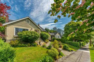 Photo 3: 321 STRAND Avenue in New Westminster: Sapperton House for sale : MLS®# R2591406