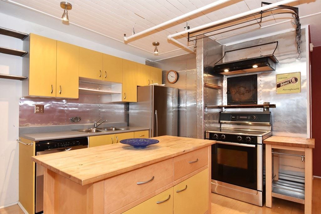 """Photo 6: Photos: 110 237 E 4TH Avenue in Vancouver: Mount Pleasant VE Condo for sale in """"ARTWORKS"""" (Vancouver East)  : MLS®# R2122835"""