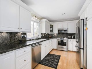 """Photo 5: 13496 15A Avenue in Surrey: Crescent Bch Ocean Pk. House for sale in """"Marine Terrace"""" (South Surrey White Rock)  : MLS®# R2152319"""