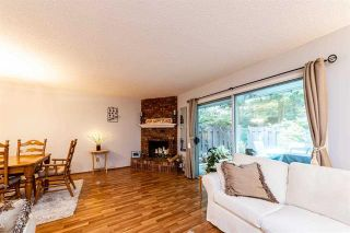 Photo 5: 4683 Hoskins Rd in North Vancouver: Lynn Valley Townhouse for sale : MLS®# R2500187