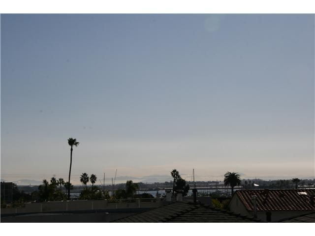 Main Photo: POINT LOMA Residential for sale or rent : 2 bedrooms : 1527 Evergreen in San Diego