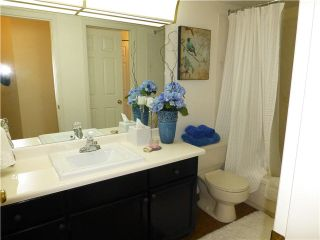 """Photo 14: 202 1378 FIR Street: White Rock Condo for sale in """"CHATSWORTH MANOR"""" (South Surrey White Rock)  : MLS®# F1434479"""