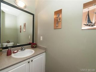 Photo 14: 2 1241 Santa Rosa Ave in VICTORIA: SW Strawberry Vale Row/Townhouse for sale (Saanich West)  : MLS®# 725343