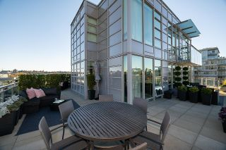 """Photo 10: 1103 88 W 1ST Avenue in Vancouver: False Creek Condo for sale in """"THE ONE"""" (Vancouver West)  : MLS®# R2624687"""