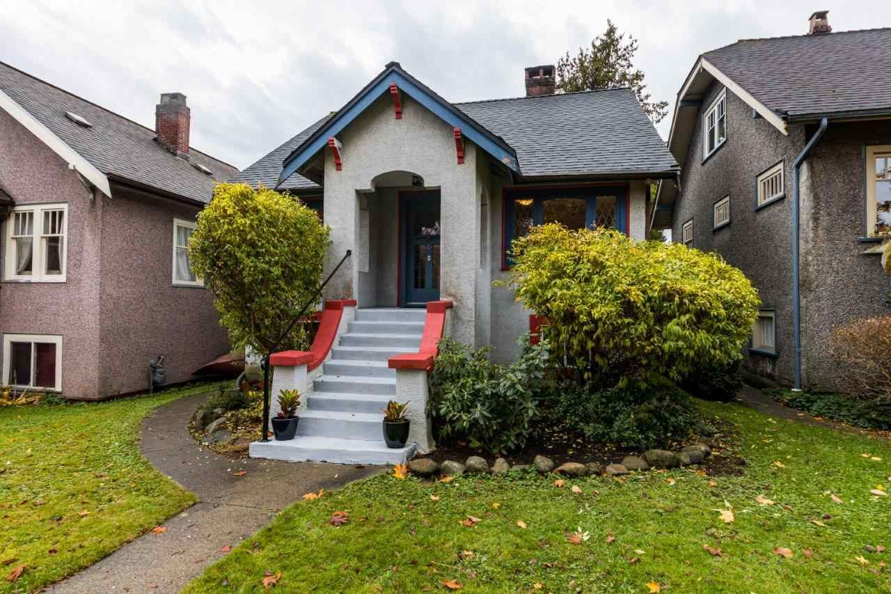 Main Photo: 2568 GRAVELEY Street in Vancouver: Renfrew VE House for sale (Vancouver East)  : MLS®# R2515197