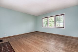 """Photo 5: 334 OLIVER Street in New Westminster: Queens Park House for sale in """"Queens Park"""" : MLS®# R2589086"""
