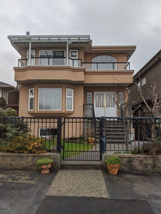 Photo 1: 38 GROSVENOR AVENUE in Burnaby: Capitol Hill BN House for sale (Burnaby North)  : MLS®# R2441232
