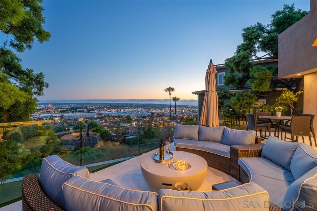 Main Photo: MISSION HILLS House for sale : 4 bedrooms : 2461 Presidio Dr. in San Diego
