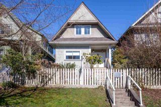 "Photo 2: 1049 E 13TH Avenue in Vancouver: Mount Pleasant VE House for sale in ""Mount Pleasant East"" (Vancouver East)  : MLS®# R2235012"