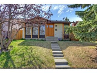 Main Photo: 164 Strathcona Close SW in Calgary: Strathcona Park Detached for sale : MLS®# A1130229