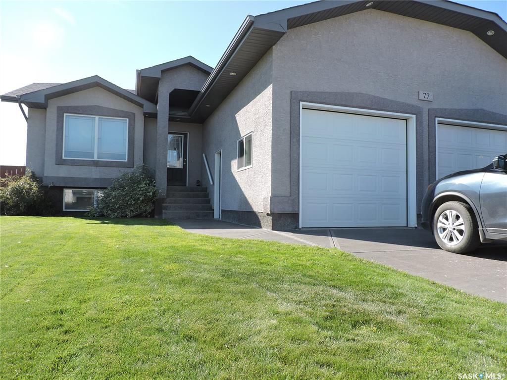 Main Photo: 77 Madge Way in Yorkton: Riverside Grove Residential for sale : MLS®# SK810519