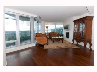 """Photo 2: 3308 1111 ALBERNI Street in Vancouver: West End VW Condo for sale in """"SHANGRI-LA"""" (Vancouver West)  : MLS®# V812031"""