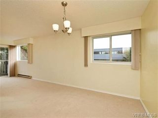 Photo 9: 308 1525 Hillside Ave in VICTORIA: Vi Oaklands Condo for sale (Victoria)  : MLS®# 707337