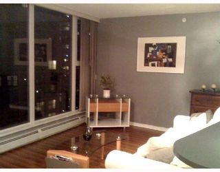 """Photo 3: 1202 1008 CAMBIE Street in Vancouver: Downtown VW Condo for sale in """"THE WATERWORKS"""" (Vancouver West)  : MLS®# V737264"""